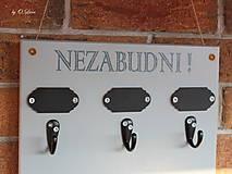 Nábytok - Vešiak a odkazovač 2v1 - Nezabudni - 11503106_
