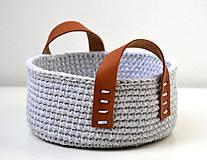 Košíky - Háčkovaný košík bavlnený s koženými uškami - 11502816_