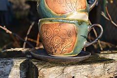 Nádoby - šálka zelená medienková s kvetinkami - 11502790_