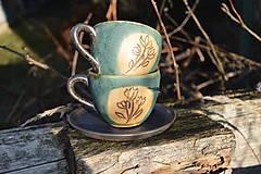 Nádoby - šálka zelená medienková s kvetinkami - 11502870_