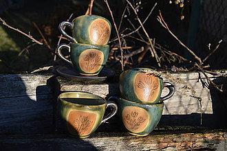 Nádoby - šálka zelená medienková s kvetinkami - 11502773_