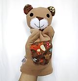 Maňuška medveď - Macko z Tmavého lesa