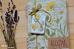 Papiernictvo - Receptárik - herbárium (žltý, ranunclus) - 11505384_