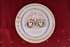 Prstene - Drevený podnos vankúšik na obrúčky gravirovaný 11 - 11502544_