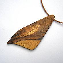 Náhrdelníky - Drevený náhrdelník - špaltovaný bukový kúsok - 11503297_