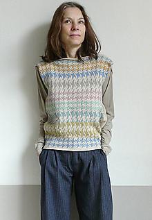 Svetre/Pulóvre - vesta krémová s pastelovým vzorom - 11503786_
