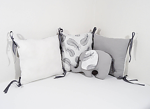Textil - Vankúšový mantinel sivé pierka - 11505639_