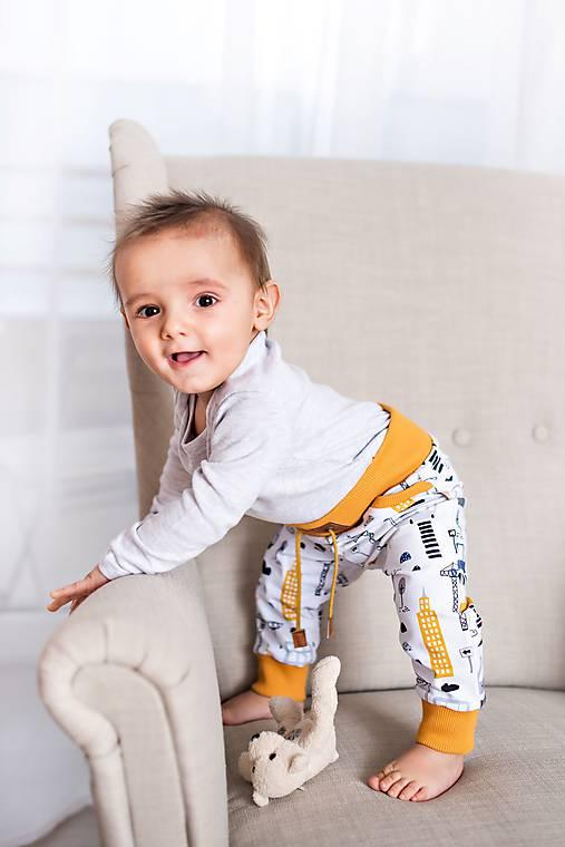 Detské oblečenie - tepláčiky žeriav - 11508232_