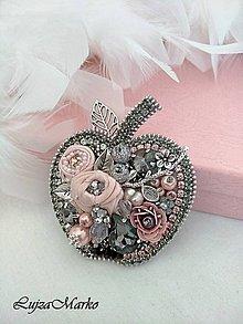 Odznaky/Brošne - Luxusné jabĺčko brošňa - 11507653_