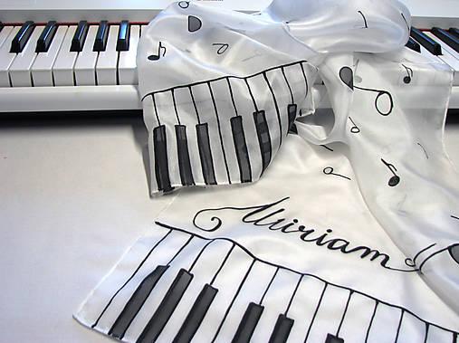 Hodvábny šál - klavír