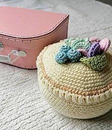 Hračky - Ružový kufrík s háčkovanými koláčmi III. - 11512393_