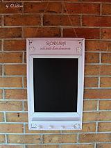 Tabuľky - Kriedová tabuľa s vešiakmi - RODINA v ružovom - 11509270_
