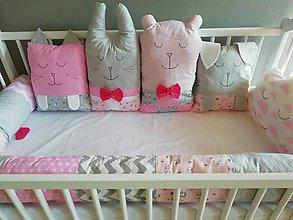 Textil - vankúšiky DO POSTIEĽKY AJ POSTELE - ružové, biele. sivé - 11511153_
