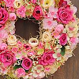Dekorácie - Veniec  ružový sen - 11514377_