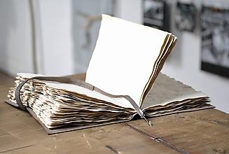 Papiernictvo - archaický kožený zápisník SAGITTA - 11516382_
