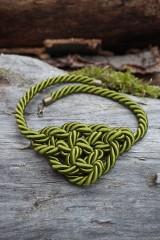 Náhrdelníky - Olivový náhrdelník z točenej šnúry - 11518441_