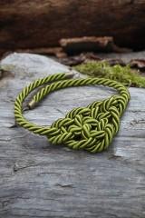 Náhrdelníky - Olivový náhrdelník z točenej šnúry - 11518452_