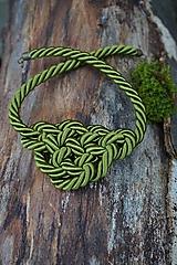 Náhrdelníky - Olivový náhrdelník z točenej šnúry - 11518460_