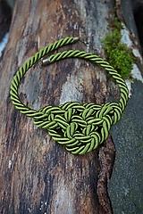Náhrdelníky - Olivový náhrdelník z točenej šnúry - 11518478_