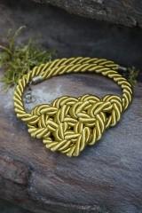Náhrdelníky - Olivový náhrdelník z točenej šnúry - 11518492_