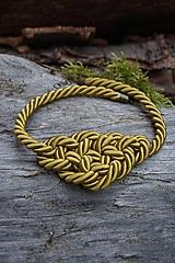 Náhrdelníky - Olivový náhrdelník z točenej šnúry - 11518497_
