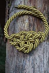 Náhrdelníky - Olivový náhrdelník z točenej šnúry - 11518498_