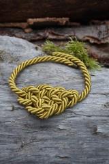 Náhrdelníky - Olivový náhrdelník z točenej šnúry - 11518504_
