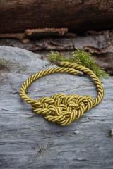 Náhrdelníky - Olivový náhrdelník z točenej šnúry - 11518514_
