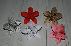 Papierové origami kvety - rôzne farby a veľkosti