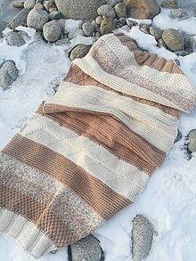 Úžitkový textil - Jedinečný ručne pletený koberec - 11519787_