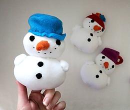 Hračky - Prstová maňuška snehuliak - na výber - 11526373_