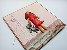 Papiernictvo - Pohľadnica ... dievčatko s mackom - 11533800_