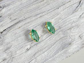 Náušnice - 585/1000 zlaté náušnice s prírodným smaragdom - 11532712_