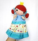 Maňuška princezná - v sukienke s tulipánmi