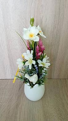 Dekorácie - Jarna dekoracia v keramickom tulipane - 11531101_