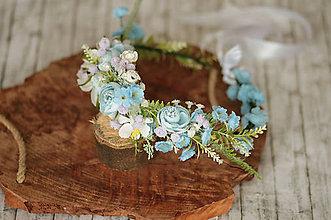 Ozdoby do vlasov - Kvetinový modrý venček z kolekcie Romantic bride - 11536597_