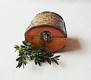 Krabičky - Drevená krabička na prsteň Čarovné polienko - 11534741_