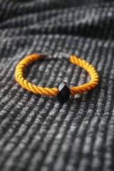 Náramky - Oranžový náramok z točenej šnúry - 11537255_