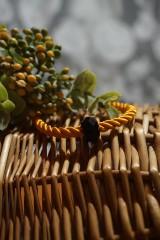 Náramky - Oranžový náramok z točenej šnúry - 11537260_