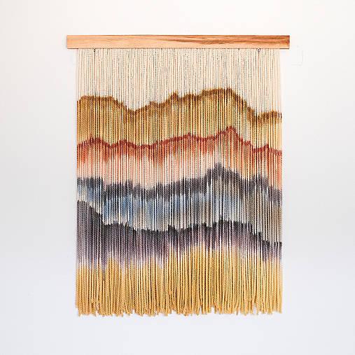 """Dekorácie - Nástenná dekorácia z dreva a vlny """"Hrebeňom hôr"""" - 11535501_"""