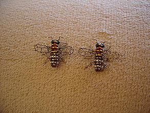 Dekorácie - Včielka takmer v životnej veľkosti ♥ - 11538279_