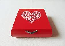 Krabičky - Drevená krabička Srdiečko - 11537979_