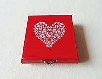 Krabičky - Drevená krabička Srdiečko - 11537984_