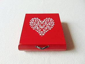Krabičky - Drevená krabička Srdiečko - 11537978_