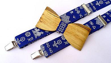 Doplnky - Pánsky set drevený motýlik + traky folk ČIČMANY kráľovská modrá - 11539525_