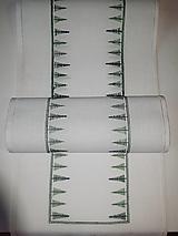 Úžitkový textil - Vyšívaný stredový obrus, biely, 108 x 26 cm - 11538132_