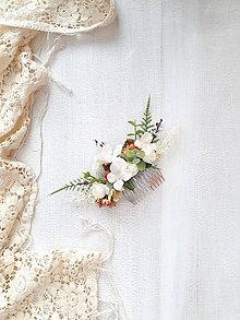 Ozdoby do vlasov - Kvetinový hrebienok ,,biely-eukalyptus,, - 11537549_