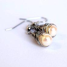 Náušnice - Náušničky z riečnych perál - 11539341_