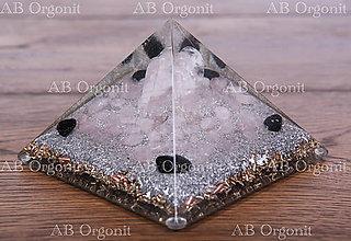 Dekorácie - Cheopsova pyramída - anjel - orgonit - 11538683_