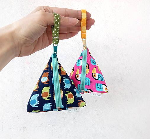Trojuholníková taštička so zvieratkami